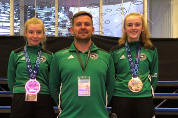 World medals for Maria and Aoife